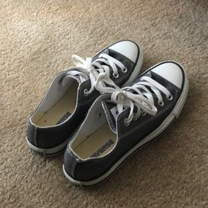Converse low all star women's 7. Gray.